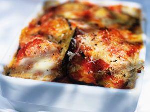 Überbackene Auberginen mit Parmesan Rezept