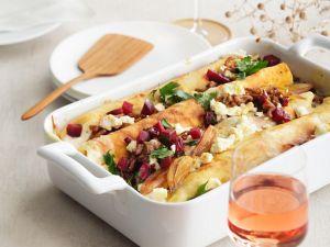 Überbackene Crépe mit Hackfleisch, Rote Bete und Feta Rezept