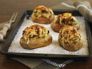 Überbackene Kartoffeln im Salzbett Rezept