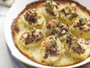 Überbackene Kartoffeln mit Füllung Rezept