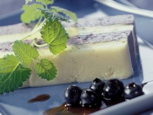Vanille-Blaubeer-Schichtdessert Rezept