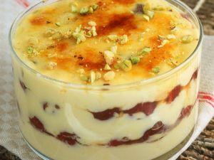 Vanillecreme mit Kirschen Rezept