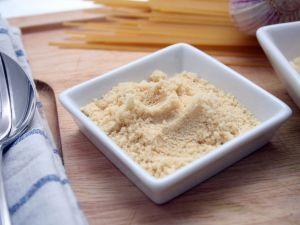 Veganen Parmesan selber machen