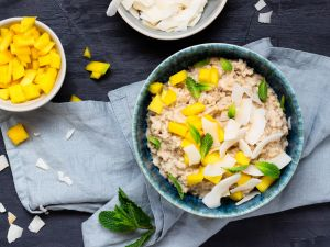 Veganes Hafer-Porridge mit Mango und Kokos Rezept