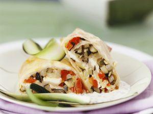 Vegetarischer Strudel mit Gemüse und Joghurtsoße Rezept