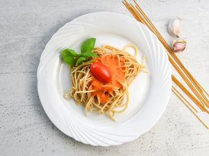 Vollkornspaghetti mit Tomatensauce Rezept