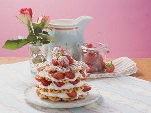 Waffeln mit Erdbeeren und Sahne Rezept
