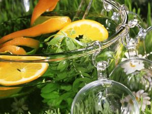 Waldmeister-Orangenbowle Rezept