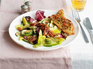 Warmer Salat mit Radicchio, Zucchini und Nüssen Rezept