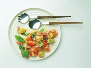 Warmer Tomaten-Brot-Salat Rezept