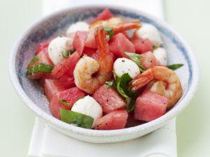 Wassermelonen-Mozzarella-Salat mit Garnelen Rezept