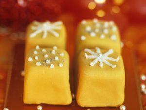 Weihnachtliche Petit Fours Rezept