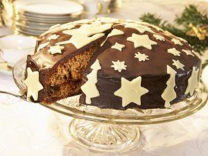 Weihnachtskuchen mit Marzipandekoration Rezept