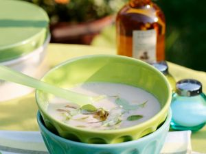 Weiße Bohnensuppe, kalt serviert Rezept