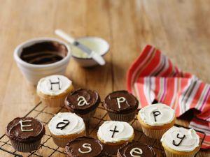 Weiße und schwarze Cupcakes Rezept