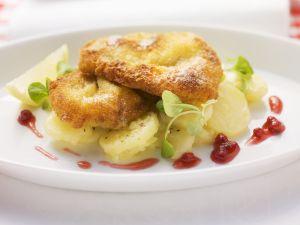"Schnitzel "" Wiener Art"" mit Kartoffelsalat Rezept"