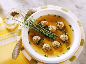 Wild-Leberklößchensuppe Rezept
