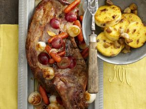 Wildschweinkeule mit Kastanien und Maisbrei (Polenta) Rezept