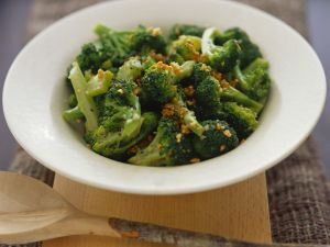Wok-Brokkoli mit Knoblauch Rezept