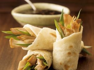 Wraps mit pikanter Hähnchen-Füllung Rezept