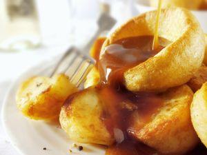Yorkshire Pudding mit Bratensoße Rezept