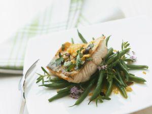 Zanderfilet mit Oliven und Petersilie, dazu grüne Bohnen Rezept