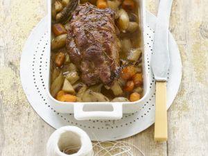 Zickleinbraten mit Suppengemüse und Edelzwiebeln Rezept