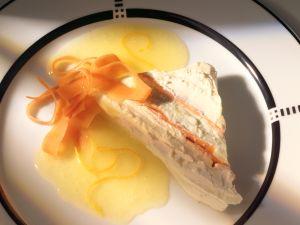 Ziegenfrischkäsetorte mit Möhren und Orangensauce Rezept