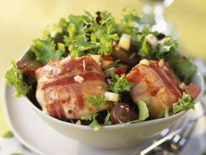 Ziegenkäse in der Speckhülle mit Salat Rezept