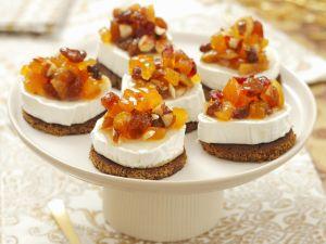Ziegenkäse-Taler mit Trockenfrüchten Rezept