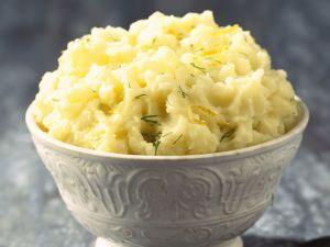 Zitronen-Kartoffelbrei mit Kräutern Rezept