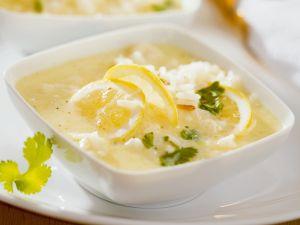 Zitronige Suppe mit Reis Rezept