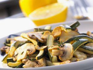 Zucchini-Champignon-Gemüse mit Thymian-Marinade Rezept