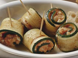Zucchini-Röllchen Rezept