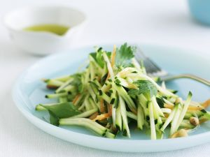 Zucchini-Rohkost-Salat Rezept