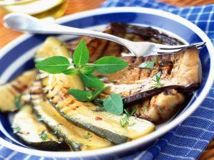 Zucchini und Auberginen vom Grill Rezept