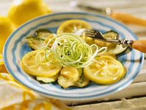 Zucchinigemüse mit Zitronen Rezept