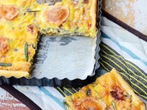 Zwiebel-Käsekuchen mit Speck Rezept