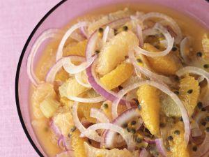 Zwiebel-Orangen-Salat mit Maracuja Rezept
