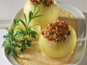 Zwiebeln mit Reisfüllung Rezept