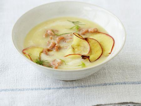 Apfel-Kartoffelsuppe mit Krabben