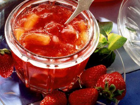 Aprikosen-Erdbeer-Konfitüre