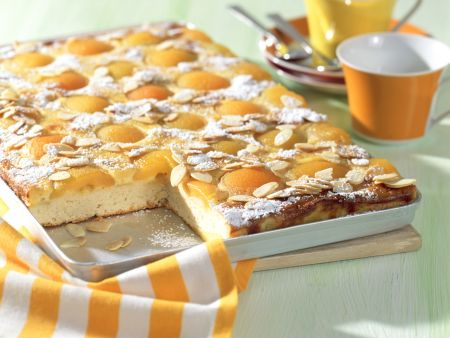 Aprikosen-Rahmkuchen