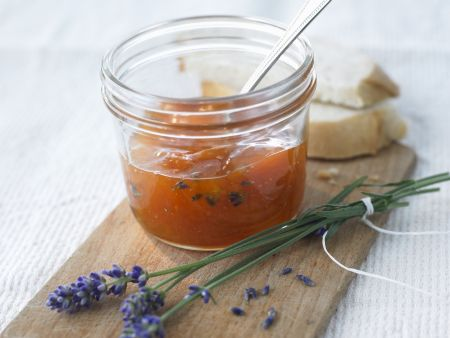 Aprikosenmarmelade mit Lavendel