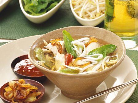 Asiatische Hähnchensuppe