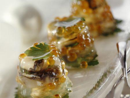 Austern und Lachskaviar in Gelee