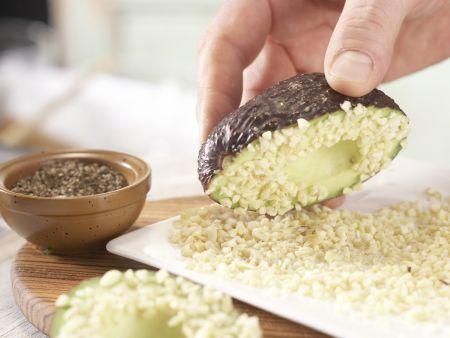 Avocado mit Mandelkruste: Zubereitungsschritt 4
