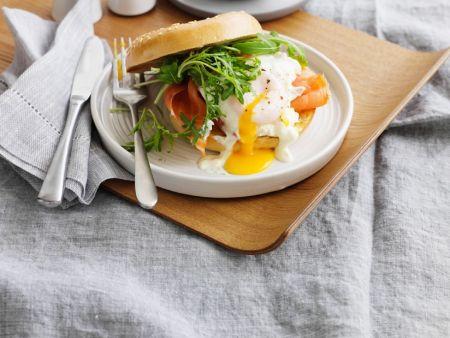 bagel mit lachsforelle und spiegelei rezept eat smarter. Black Bedroom Furniture Sets. Home Design Ideas