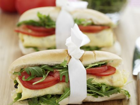 Rezept: Baguette mit Rucola, Tomaten und Ei