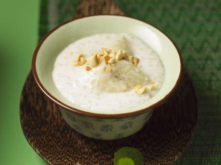 Bananenpudding mit Kokos und Sagoperlen
